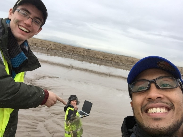 fieldwork selfie: Brave field scientists philosophically enjoying their time in the mud