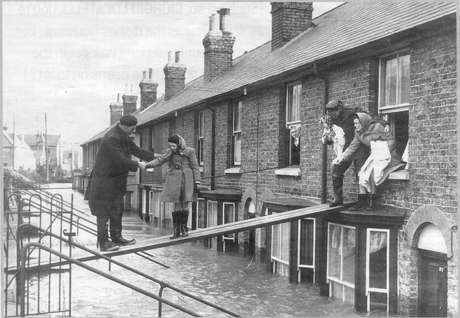 Walking the plank, in 1953. © Canterbury City Council 2015