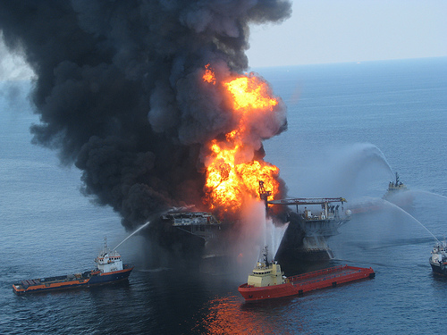 Deepwater Horizon oil rig fire