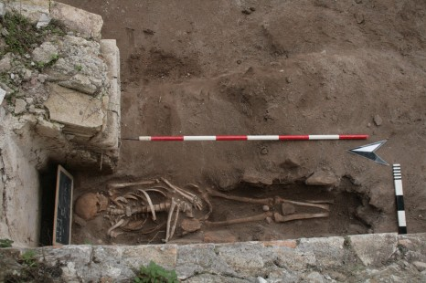Excavated skeletons of 6th c date found close to the quay on the south side of the Claudian basin (Photo: Portus Project)
