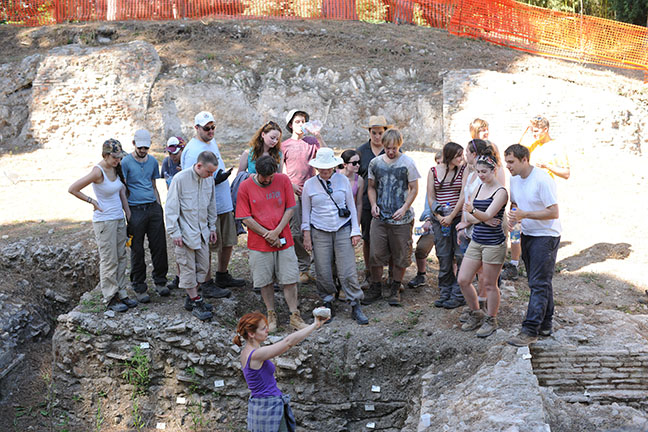 Dragana discussing latest activity in a trench at Portus