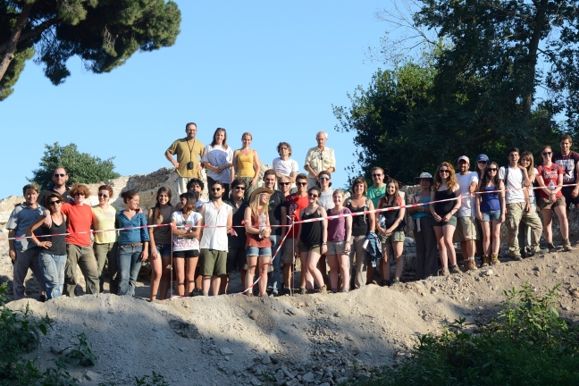 Some of the students and staff at the end of a hard season at Portus in 2013
