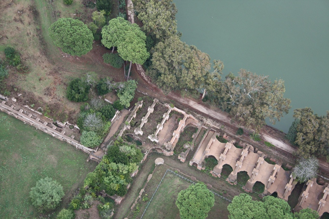 Aerial view showing the storerooms, and to the west the Terrazza di Traiano